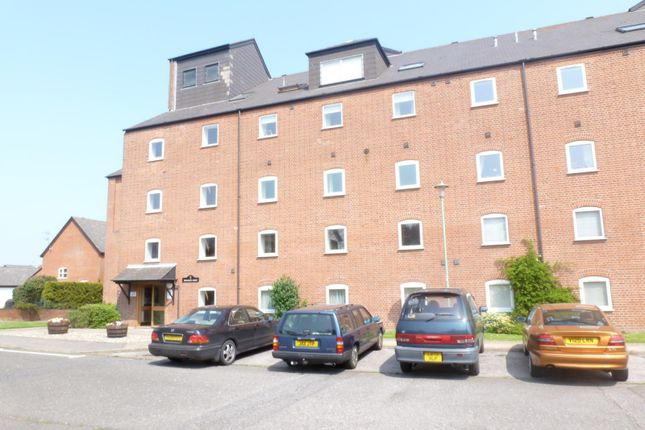 Thumbnail Flat to rent in Swonnells Court, Oulton Broad, Lowestoft