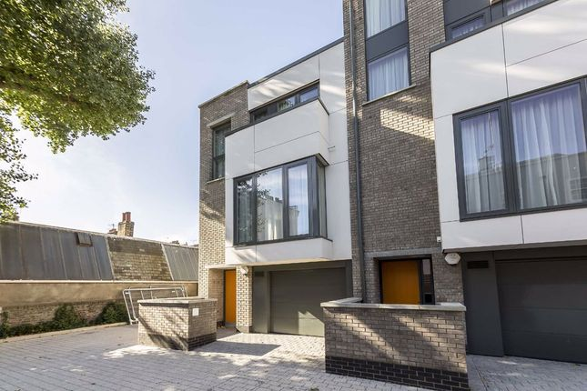 Thumbnail Semi-detached house to rent in Peel Place, London
