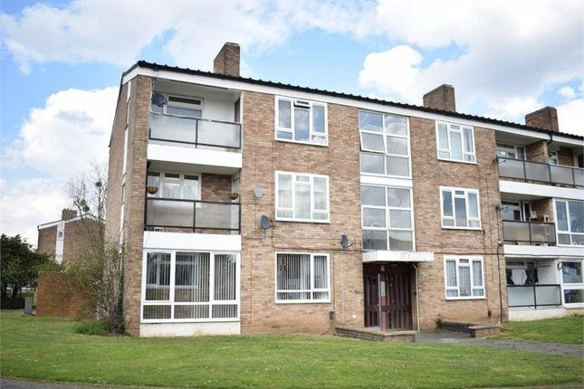 Thumbnail Flat to rent in Barchester Road, Slough, Berkshire