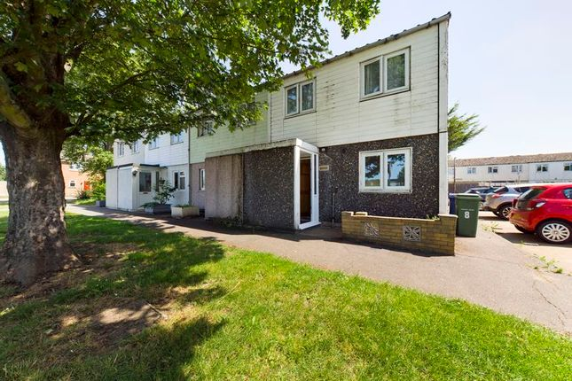 3 bed property to rent in Tamarisk Road, South Ockendon RM15