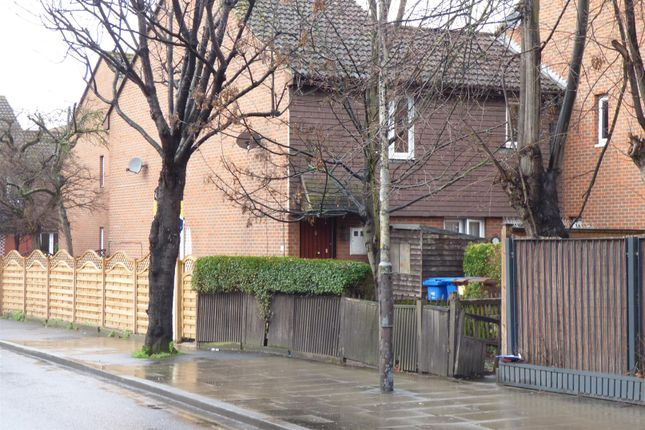 1 bed maisonette for sale in Rotherhithe New Road, London SE16