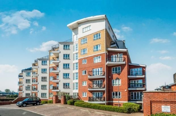 Thumbnail Flat to rent in The Gateway, Watford