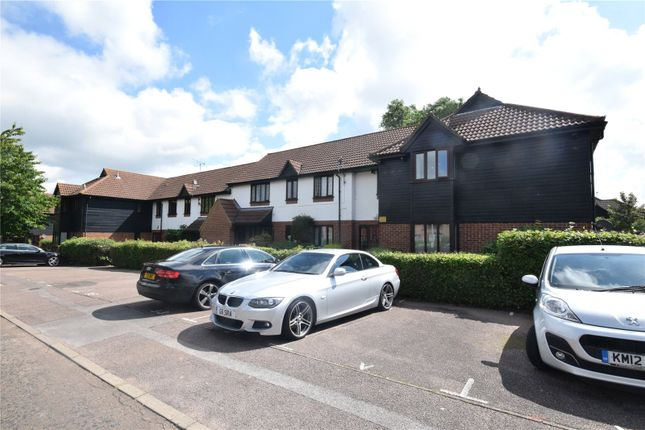 2 bed property for sale in Copperfields, Basildon, Essex SS15