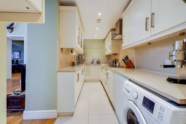 Thumbnail Flat to rent in Cormont Road, Camberwell, London