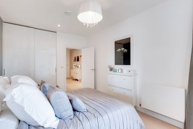3_Bedroom-2 of River Gardens Walk, London SE10