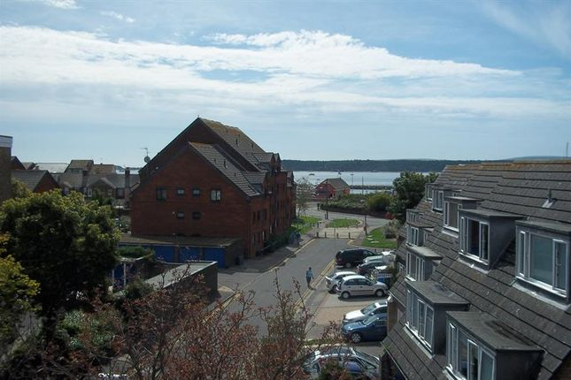 Thumbnail Flat to rent in Perry Gardens, Poole