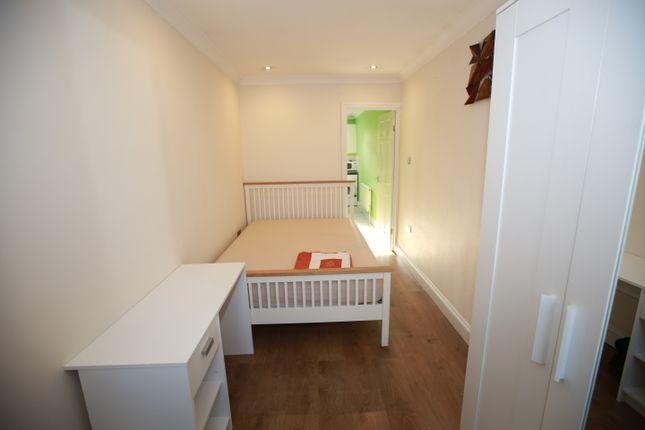 Studio to rent in Village Way, Pinner