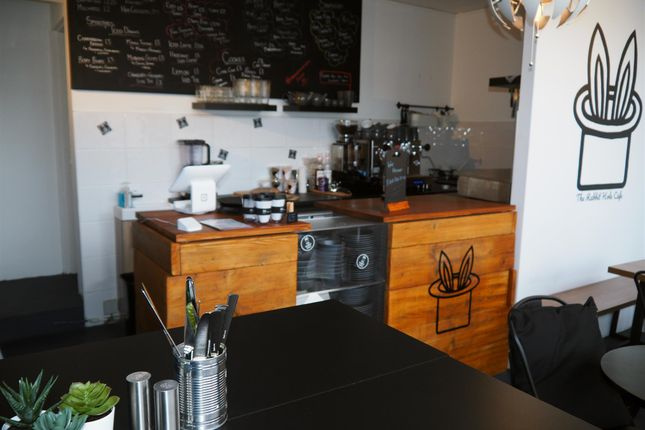 Thumbnail Restaurant/cafe for sale in Cafe & Sandwich Bars LS6, West Yorkshire