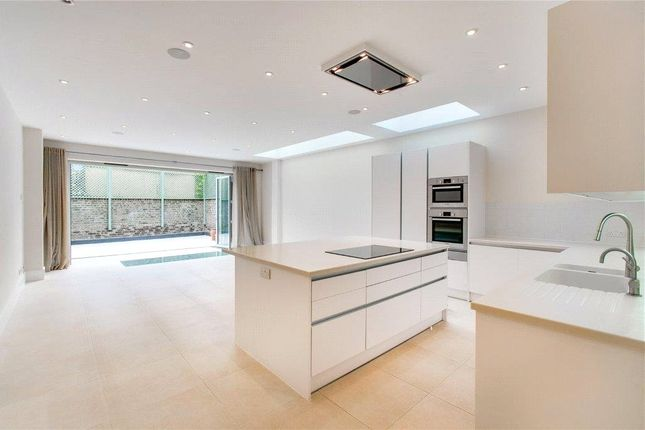 Thumbnail Terraced house to rent in Quarrendon Street, Parsons Green, London