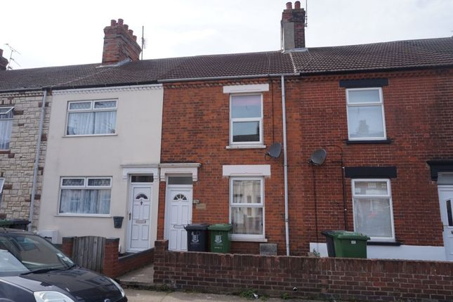 Thumbnail Terraced house to rent in Arundel Road, Great Yarmouth