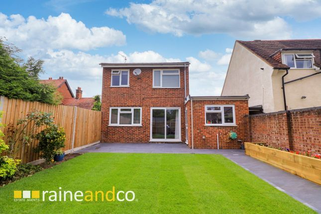 Thumbnail Detached house for sale in Cecil Crescent, Hatfield