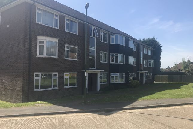 Thumbnail Flat for sale in Hurst Court, Horsham, West Sussex