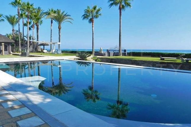 Thumbnail Villa for sale in Los Monteros, Marbella, Málaga, Spain