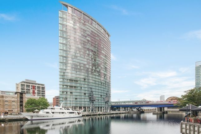 Thumbnail Flat to rent in 26 Hertsmere Road, Canary Wharf