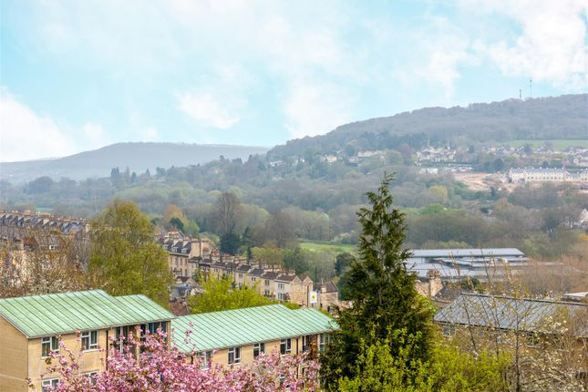 Thumbnail Maisonette for sale in Snow Hill, Bath