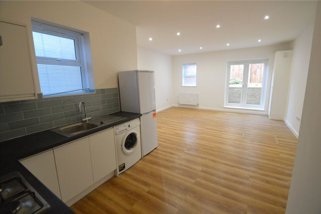 Thumbnail Flat to rent in Penge Road, London