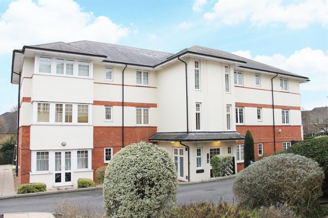 Thumbnail Flat for sale in Brooklyn Road, Woking