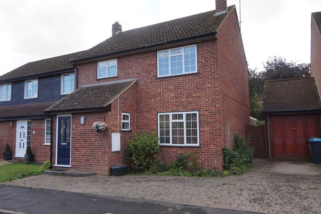 4 bed semi-detached house to rent in Arden Close, Bovingdon, Hemel
