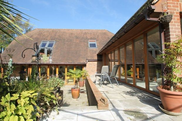 Thumbnail Property to rent in Chichester Road, Midhurst