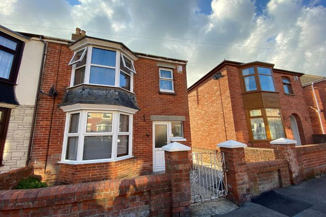 3 bed semi-detached house to rent in Kings Road, Weymouth DT3
