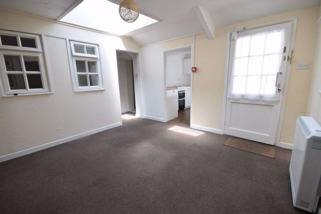 Thumbnail Bungalow to rent in Allhalland St Flat, Bideford, Devon