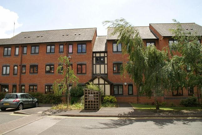 Thumbnail Flat to rent in 11, Waterside, The Moorings, Leamington Spa