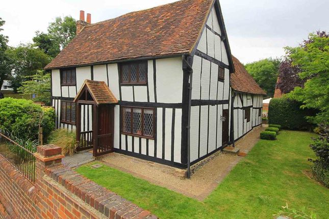 Thumbnail Detached house for sale in Redbourn Road, Hemel Hempstead