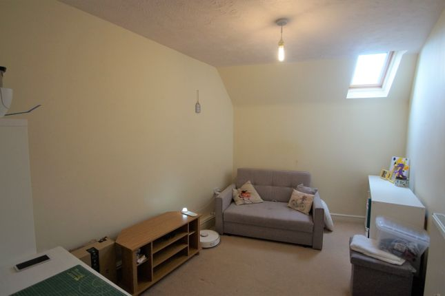 Image: 4 of Pear Tree Court, Rugeley, Staffordshire WS15