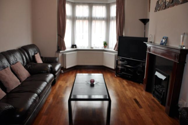 Thumbnail Terraced house to rent in Byron Road, Wealdstone, Middlesex