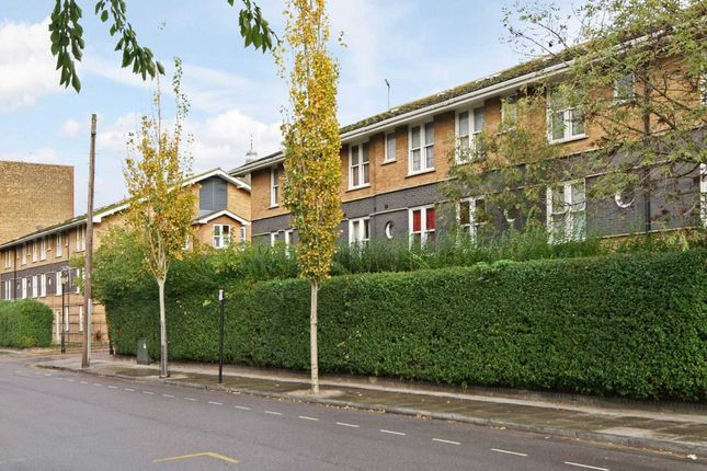 Thumbnail Flat for sale in Leabank Square, Hackney Wick