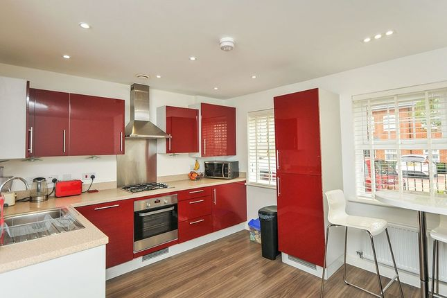Thumbnail Flat to rent in Sullivan Row, Bromley
