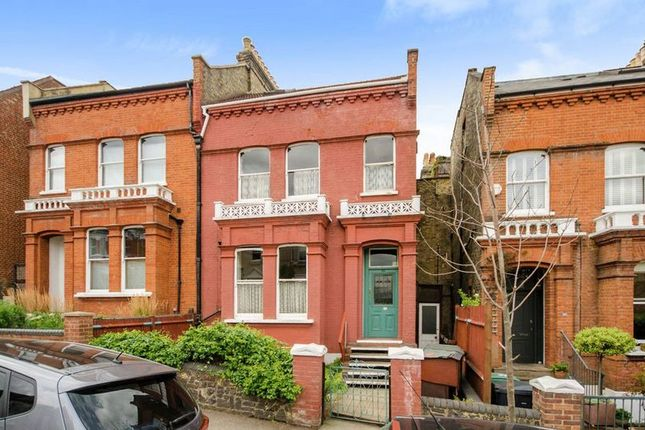 Thumbnail Property for sale in Womersley Road, London