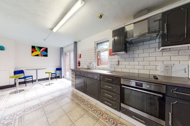Thumbnail Duplex to rent in Abbeyfield Road, London