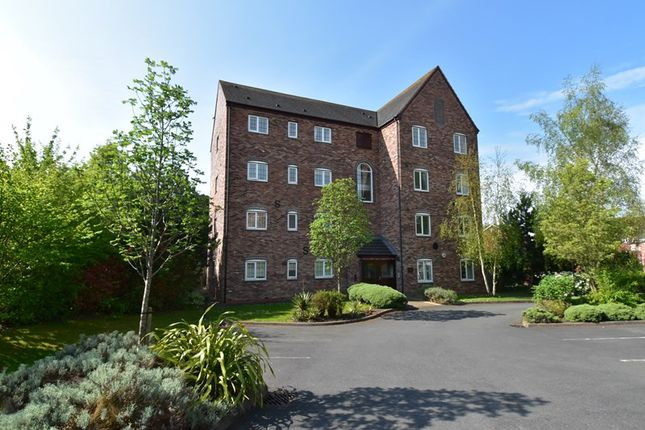Thumbnail Flat for sale in Honeymans Gardens, Droitwich