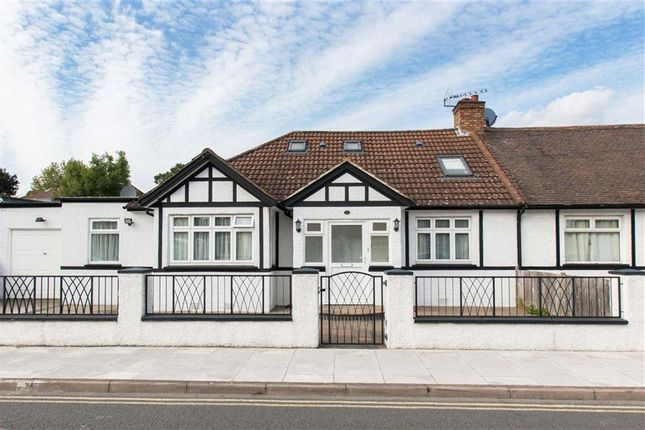 Thumbnail Bungalow to rent in Lowfield Road, London