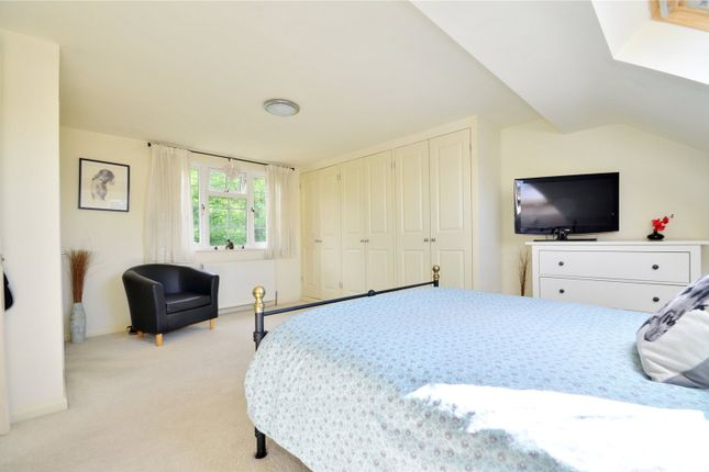 4 bed terraced house for sale in East Grinstead, West Sussex