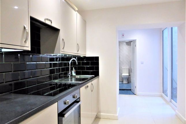 Thumbnail Flat to rent in Church Road, Hove
