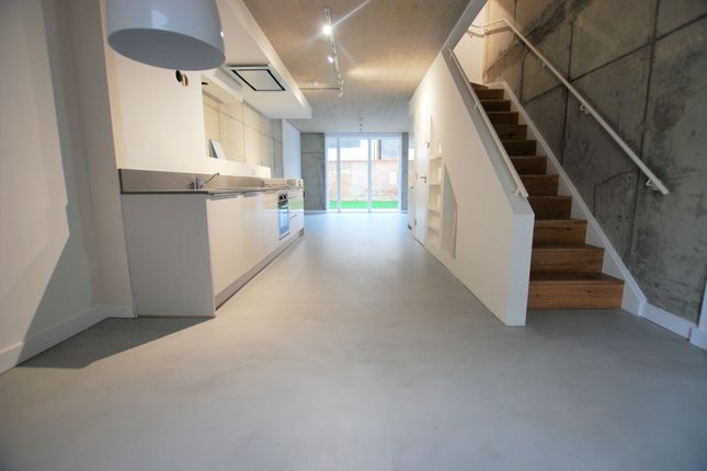 Thumbnail Town house to rent in Brooksbys Walk, London