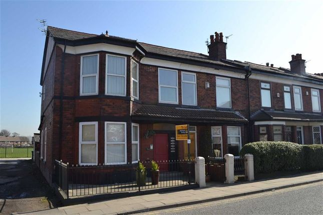 Thumbnail Flat to rent in 384 Bury New Road, Manchester