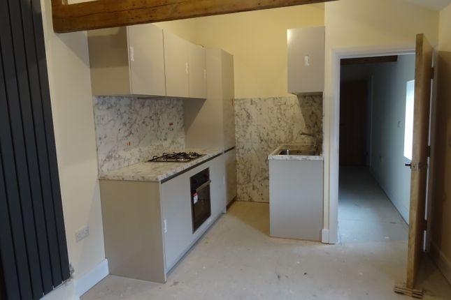Thumbnail Flat to rent in Broad Street, Rawmarsh