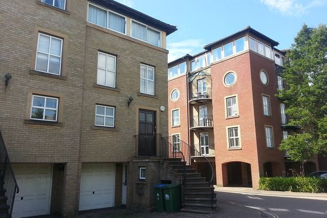 4 bedroom town house for sale in Andes Close, Southampton