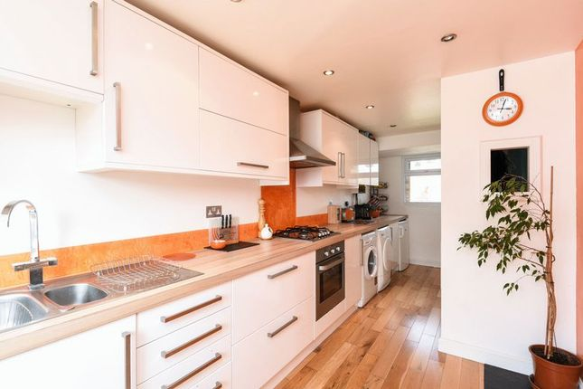 Thumbnail Property to rent in Fairhaven Road, Caversfield, Bicester