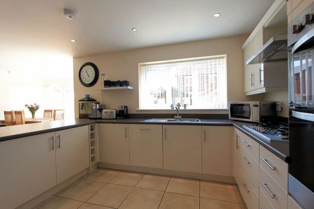 Fitted Kitchen of Cae Thorley, Rhyl LL18