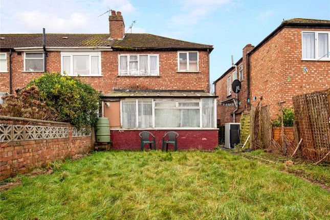 Picture No. 05 of Woodhouse Avenue, Perivale, Greenford UB6
