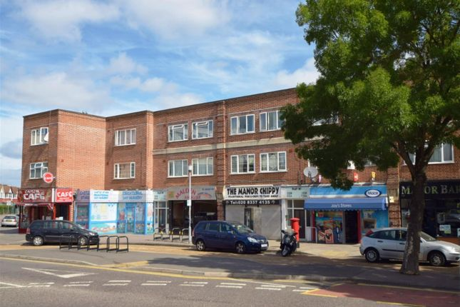 2 bed flat for sale in Manor Drive North, Malden Manor