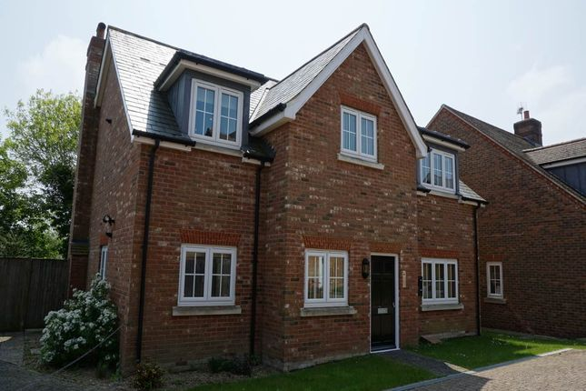 Thumbnail Flat to rent in Great Durgates Close, Wadhurst, East Sussex