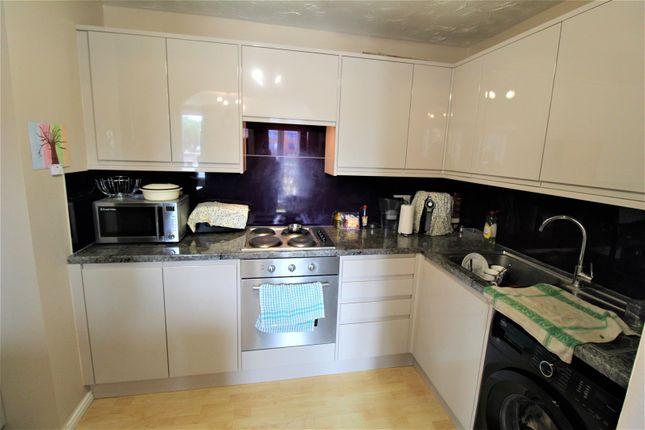 Kitchen of Grove Road, Luton LU1