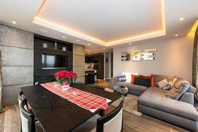 2 bed flat for sale in Distillery Wharf, Regatta Lane, London
