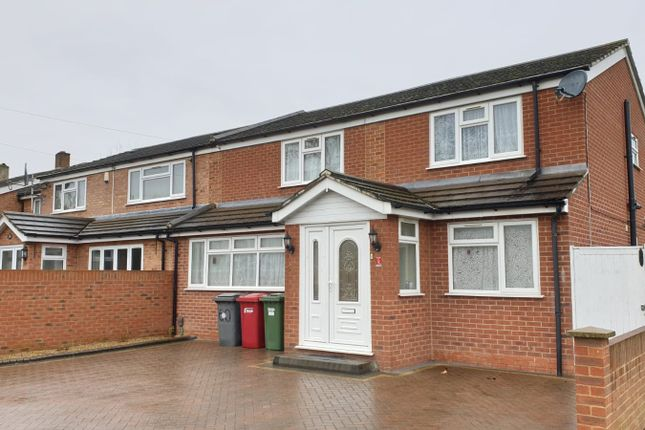 Thumbnail Semi-detached house for sale in Station Road, Langley, Slough