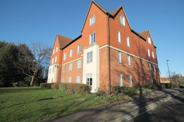 Thumbnail Flat for sale in Monument Close, York